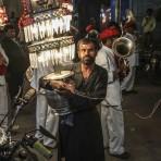 Porteur de lumière – Pushkar, Inde