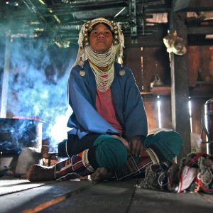 Femme Akha – région du Triangle d'Or, Birmanie